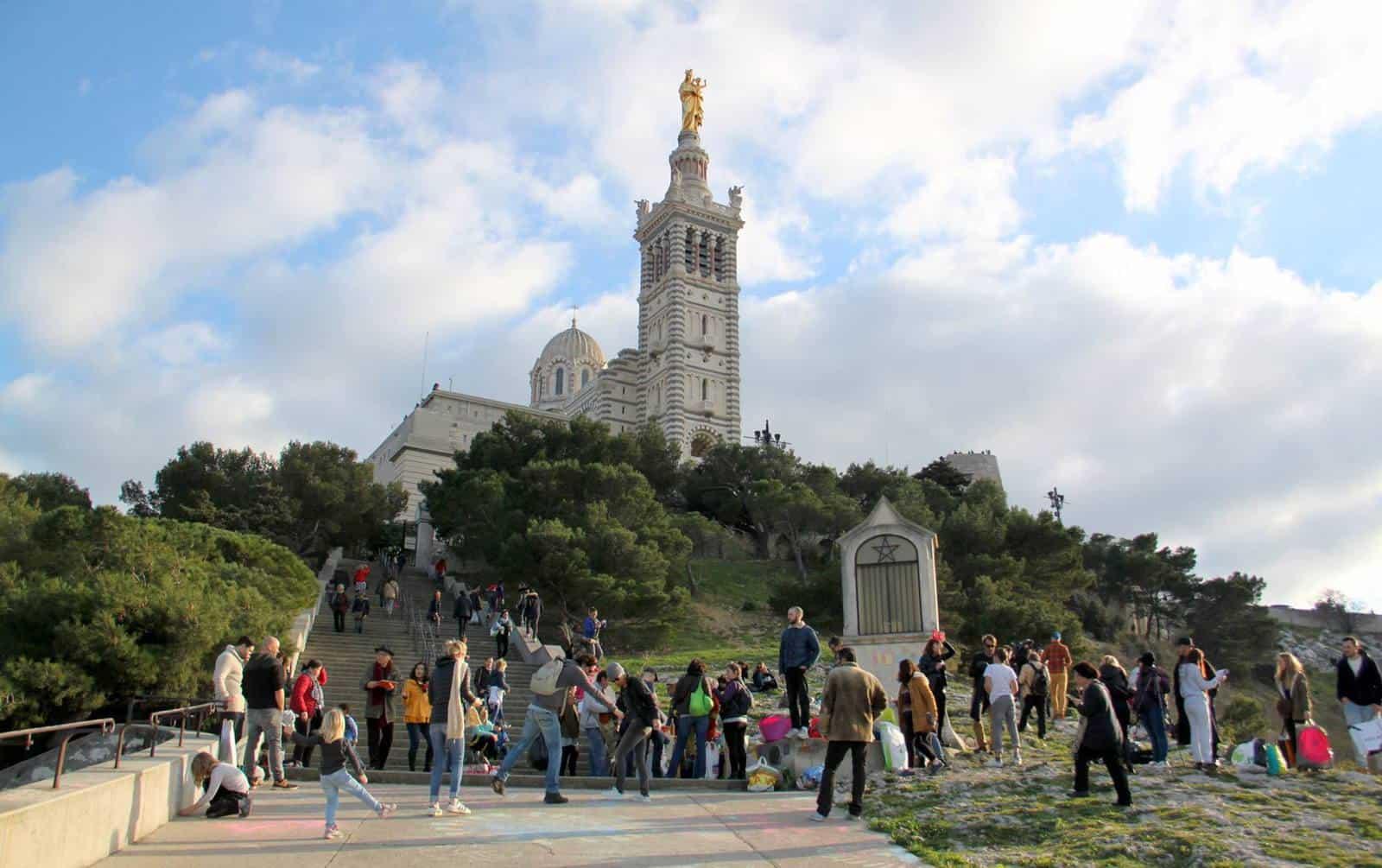 , Opération géante de ramassage de déchets à Notre-Dame de la Garde !, Made in Marseille