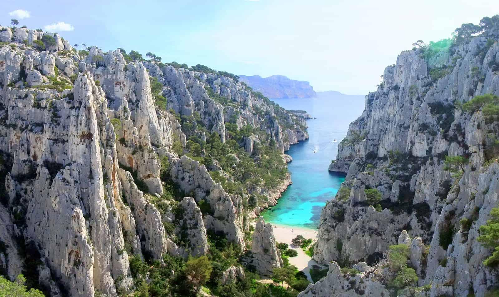 Baladez jusqu'à En-Vau, la plus impressionnante des Calanques | Made in  Marseille