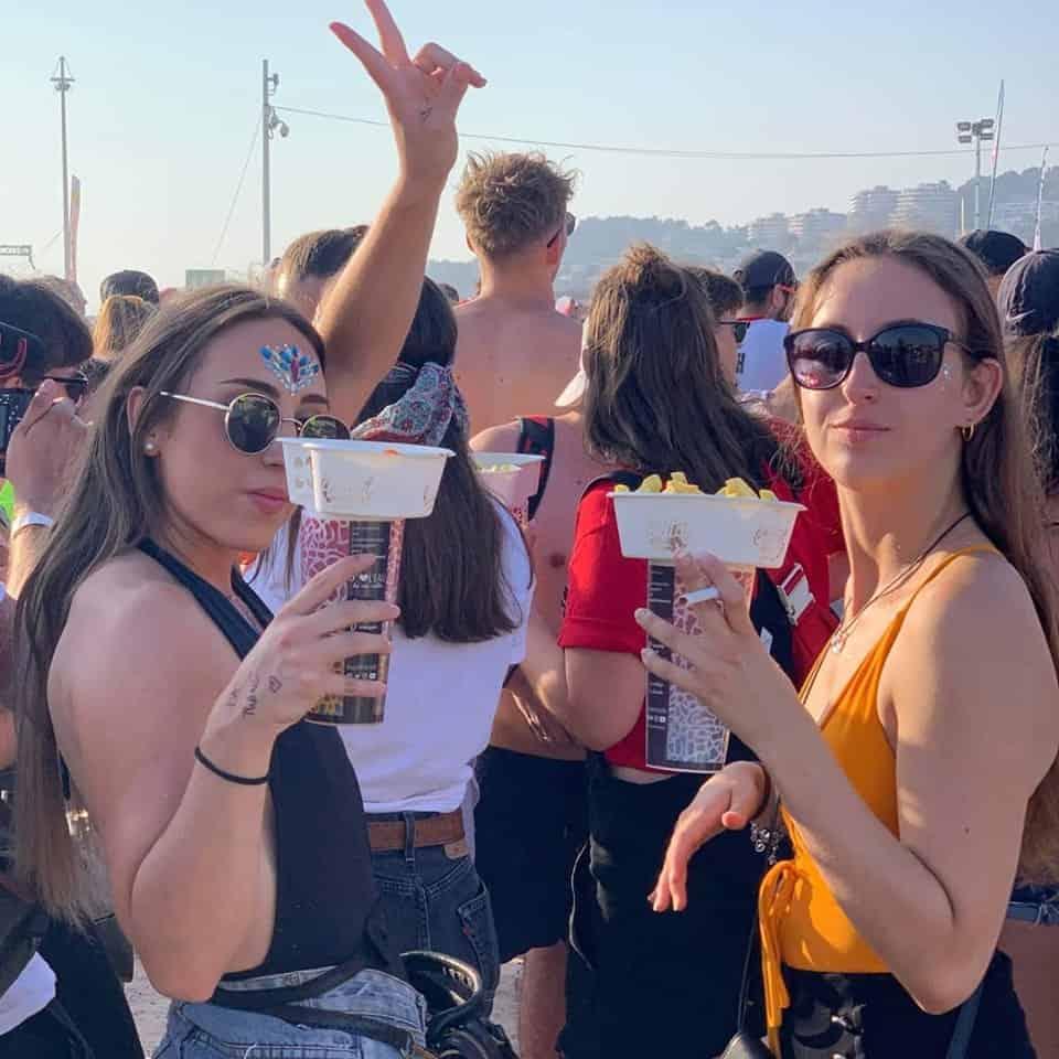 , Un Marseillais invente la coupelle écolo pour boire et manger d'une main en festival, Made in Marseille
