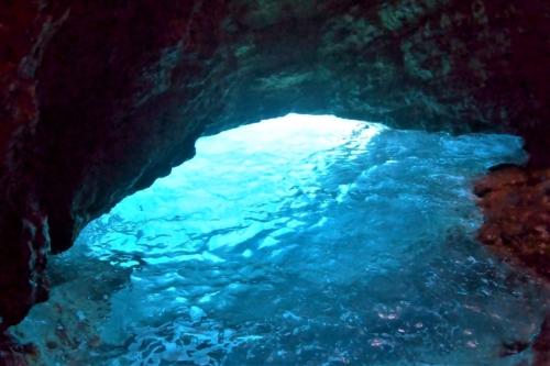 , [Vidéo] À la découverte de la grotte semi-immergée de la Porte de Rome, Made in Marseille